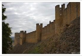 Крепостная стена монастыря Конвенту-де-Кришту.