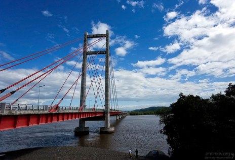 Мост дружбы с Тайванем (Puente de Amistad con Taiwan) соединяет полуостров Nicoya с остальной страной.