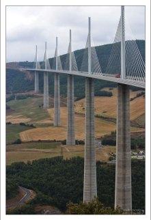 Пока Мийо строился, он был самым высоким транспортным мостом.
