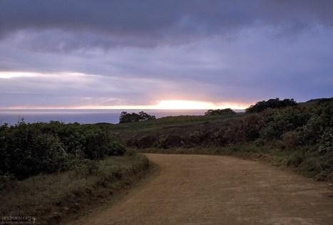 Дорога к церемониальной деревне Orongo.