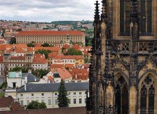 Главная башня собора Св. Вита.