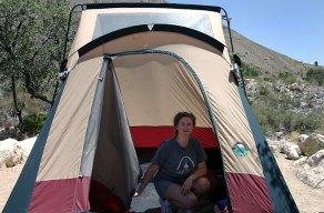"""Кемпинг """"Pine Springs""""; ставим палатку."""