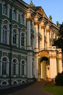 Зимний дворец со стороны Адмиралтейства.