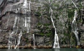 Водопады в Северо-Западной лагуне.