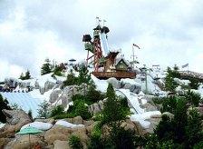 """Аттракцион """"Summit Plummet"""" - 120 футовая отвесная труба. Водный парк """"Blizzard Beach"""", Disney World."""