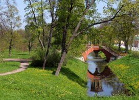 Крестовый мост (1779) на территории Александровского парка. Пушкин.