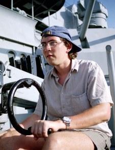 """Артиллерист. Военный корабль """"Battleship Alabama""""."""