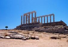 Храм Посейдона и олива.