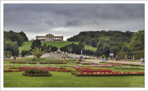 Глориетта в парке перед дворцом Шёнбрунн.
