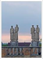 Исторические персонажи Венгрии на галерее замка Бори.