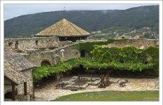 Летом внтури крепости Шюмег устраивают костюмированные представления и игрища.