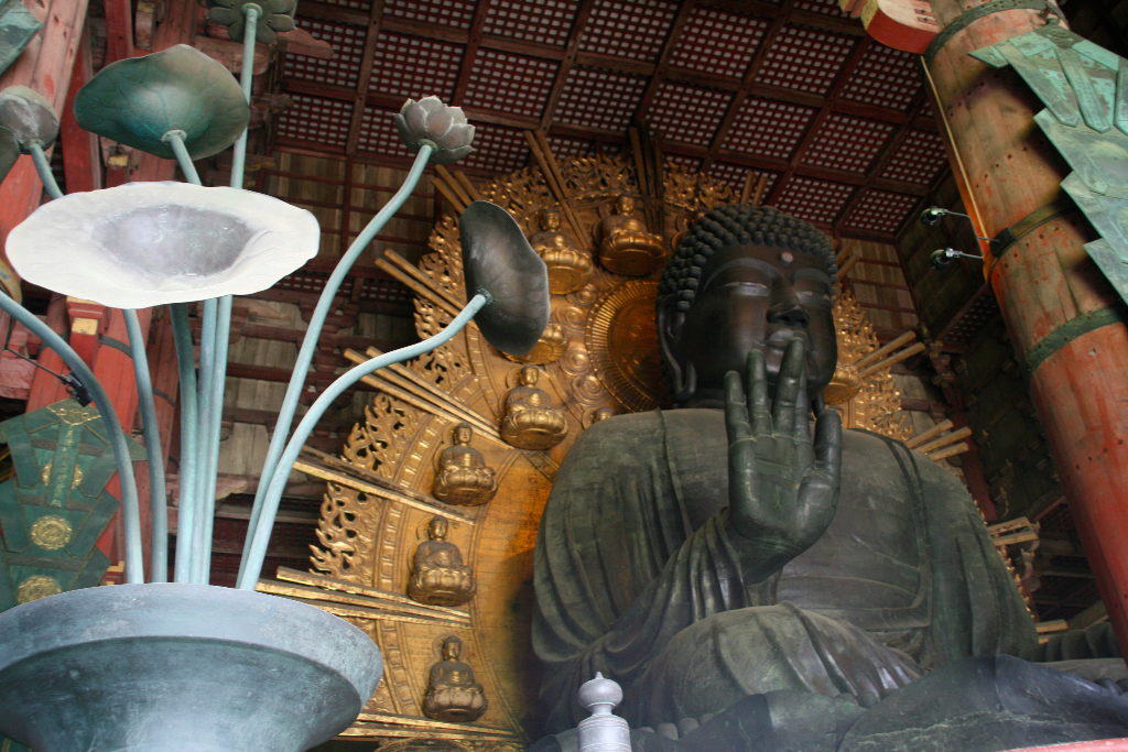 Great Daibutsu budda with almost 15 meters (the second largest in Japan)