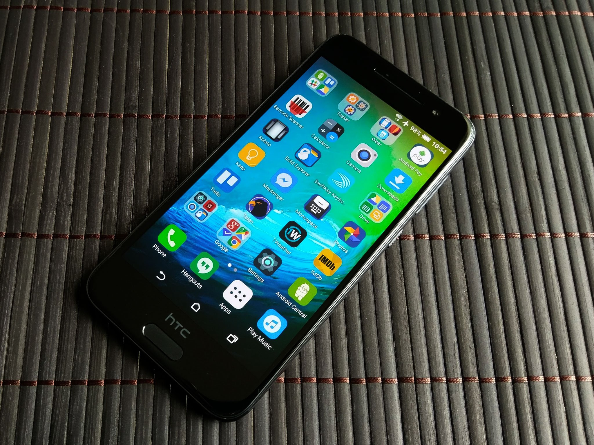 How to make your Android look and feel like an iPhone | Android Central