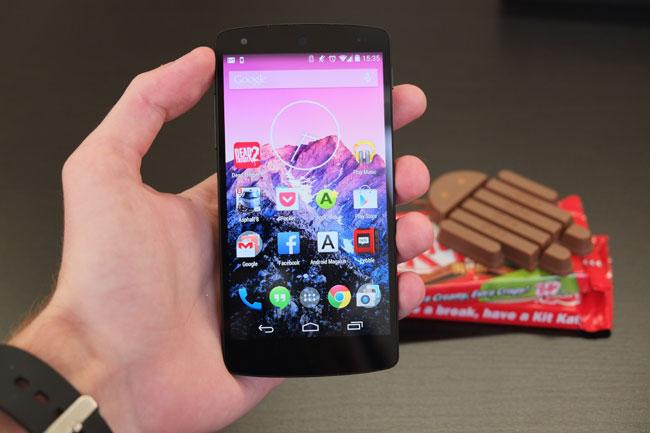Das Nexus 5 ist das jüngste Nexus-Gerät und hat bereits Android 4.4 vorinstalliert.