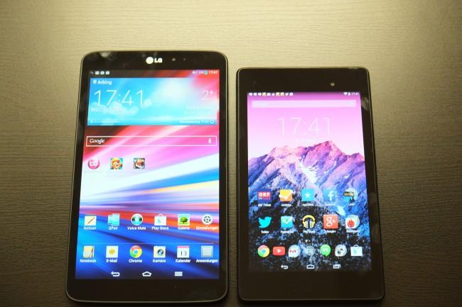 Das G Pad 8.3 (links) ist mit 217 x 127 mm etwas größer als das 200 x 114 mm große Nexus 7 (rechts). Aufgrund der Bauform wirkt das Display des G Pad deutlich wuchtiger, obwohl das Gerät kompakt bleibt.