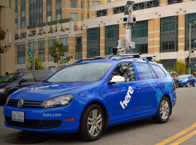 Bald in vielen deutschen Städten zu sehen: Die Kamera-Autos von Nokia. (Bild: Nokia)