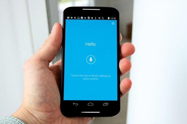 Die Moto-X Sprachsteuerung: Sie sprechen den vorher festgelegten Auslösesatz, dann stellen Sie Fragen oder geben Befehle.