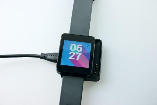 LG_G_Watch_ladestation