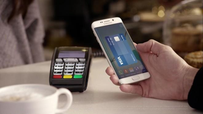 """Samsung Pay unterstützt für das Übertragen der Bezahlinformationen zwischen dem Smartphone und dem Terminal sowohl die NFC- als auch die eigene """"Magnetic Secure Transmission""""-Technik. (Foto: Samsung)"""