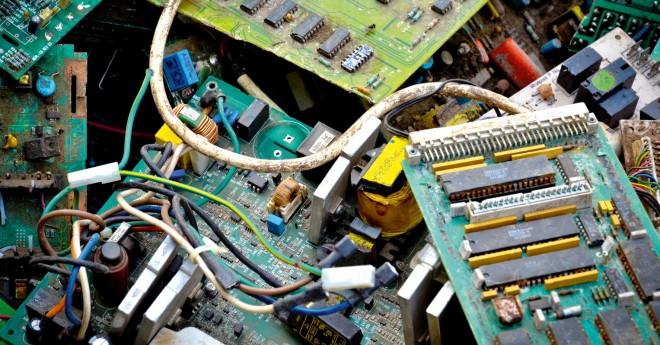 Oft sind nur einzelne Bauteile eines Gerätes defekt, es landet aber alles auf dem Müll.