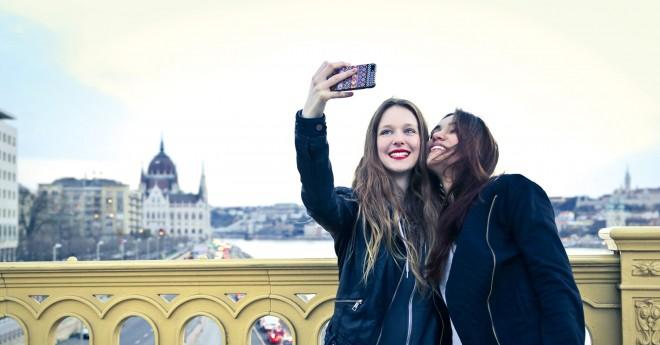 selfie_main