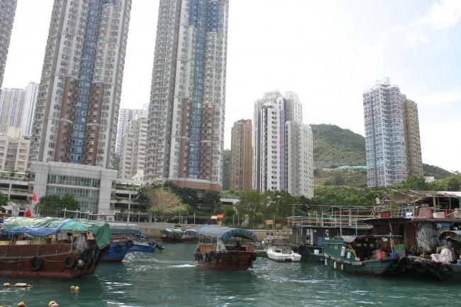 Die Nähe zum (damals britischen) Hongkong hat den rasanten Aufstieg von Huawei in den 80ern begünstigt.