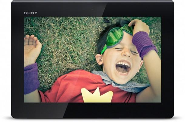 Das Sony Xperia Tablet S kann auch als Infrarot Fernbedienung genutzt werden. Foto: Sony.