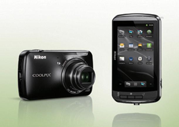 Die Nikon Coolpix S800 könnte mit Android 2.3 Betriebssystem ausgestattet sein. Foto: Nikonrumors.