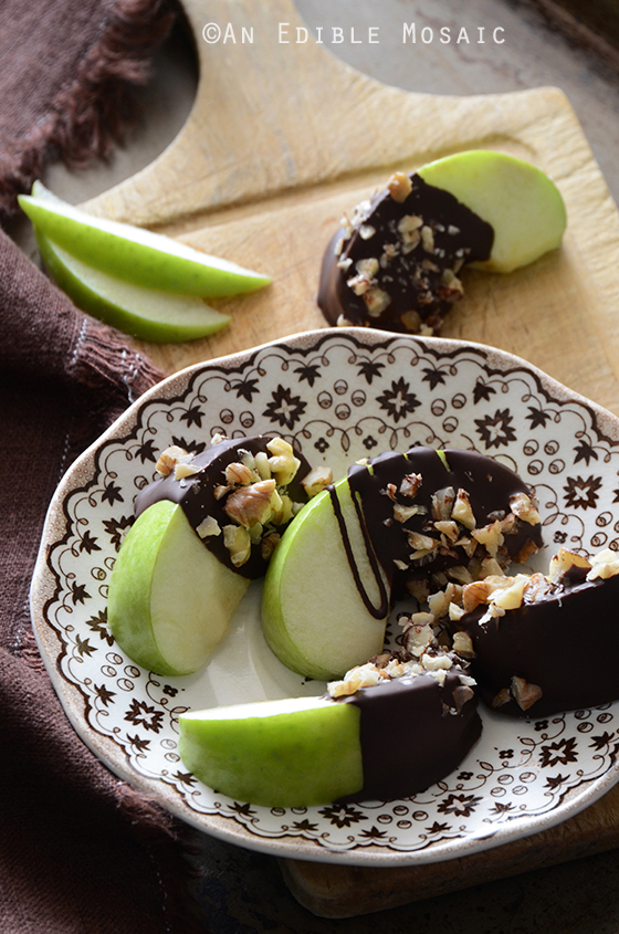 Paleo Caramel and Chocolate Apples