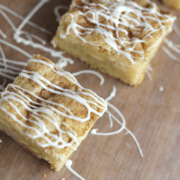 White Chocolate Chip Snickerdoodle Bars