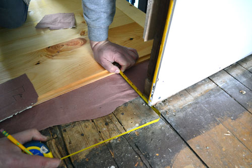 Measuring And Marking Flooring Cuts