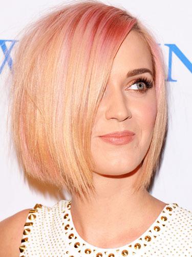 Katy-Perry-mechas-temporales-rosas