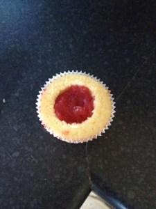 strawberryfilledmascarponecupcakes6