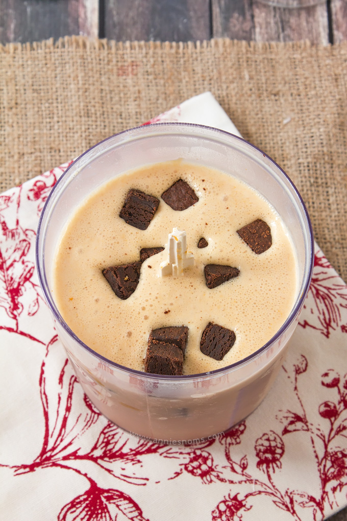 This Biscoff Brownie Milkshake is one super decadent, rich milkshake! With creamy Biscoff, fudgy brownies and a cookie topping, it's an easy to make, delicious treat that everyone will love!