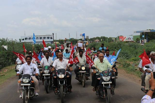 BV Raghavulu and other CPI(M) leaders arrive at the site of the Dalit land agitation at Devarapalli