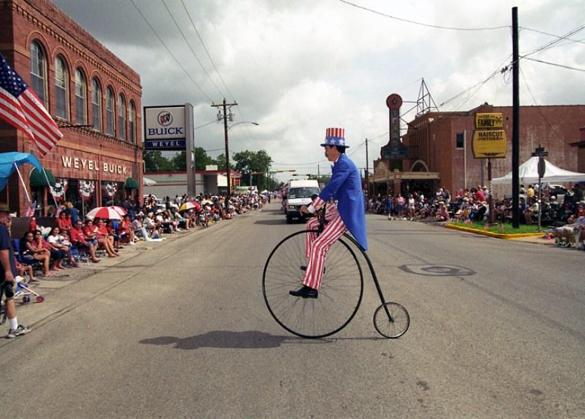 Seguin, Texas. Photo by Harry Benson.