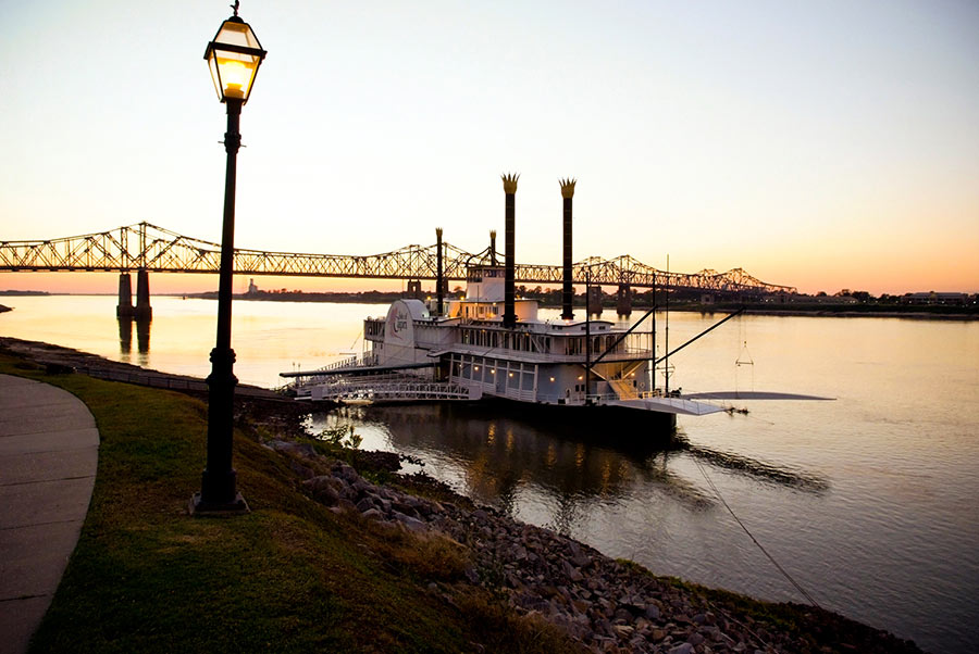 natchez MS steamboat