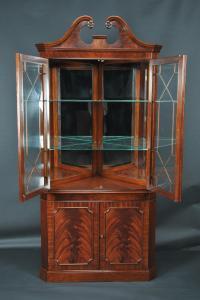 Mahogany Corner China Cabinet | Corner Hutch | Corner Curio