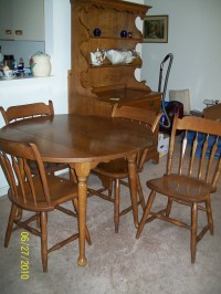 Maple Hutch,Table with 4 chairs For Sale | Antiques.com ...