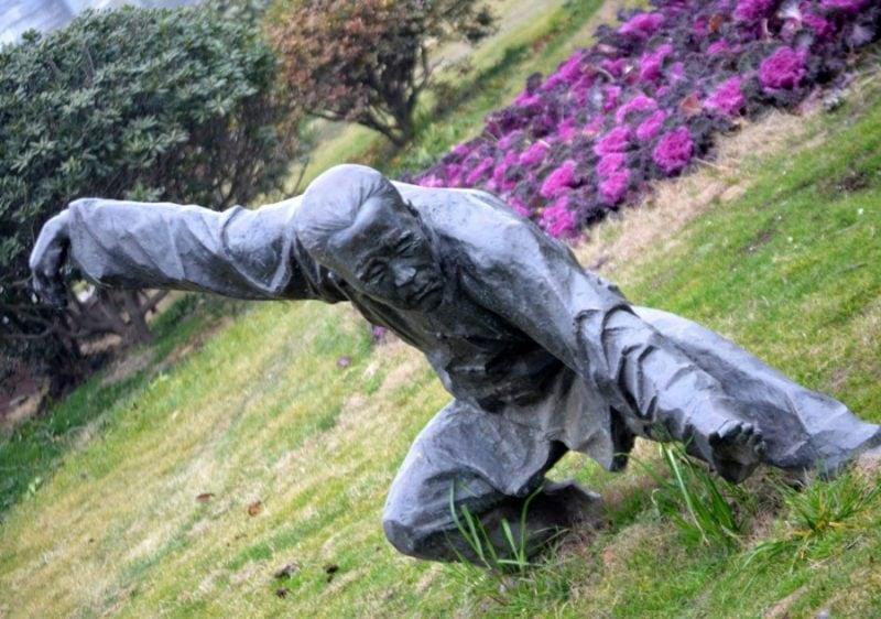 martial-arts-statue