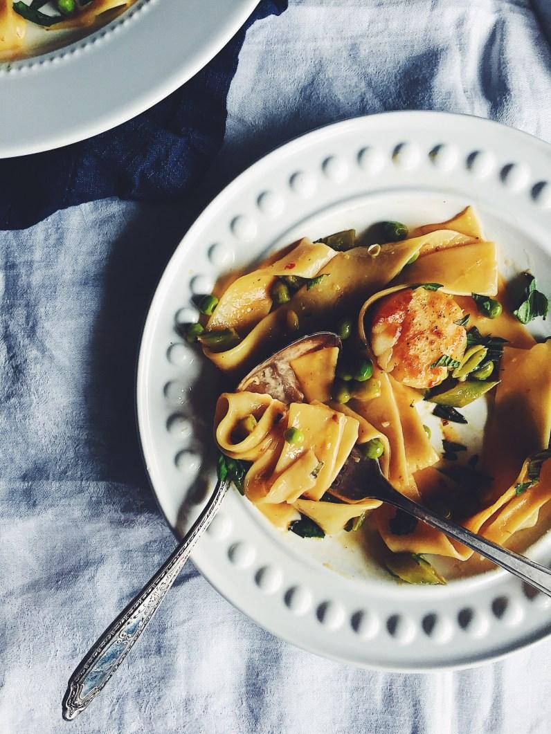 appeasing-a-food-geek-scallop-pea-pasta-16