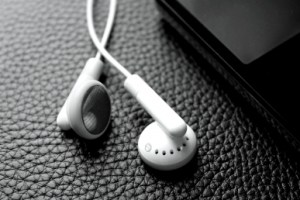 Apple earbuds made more comfortable with designer Sprng Clips iTunes costs $1.3 billion to run yearly