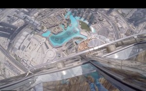 Dropping iPhone 7 Plus World Tallest Building _F
