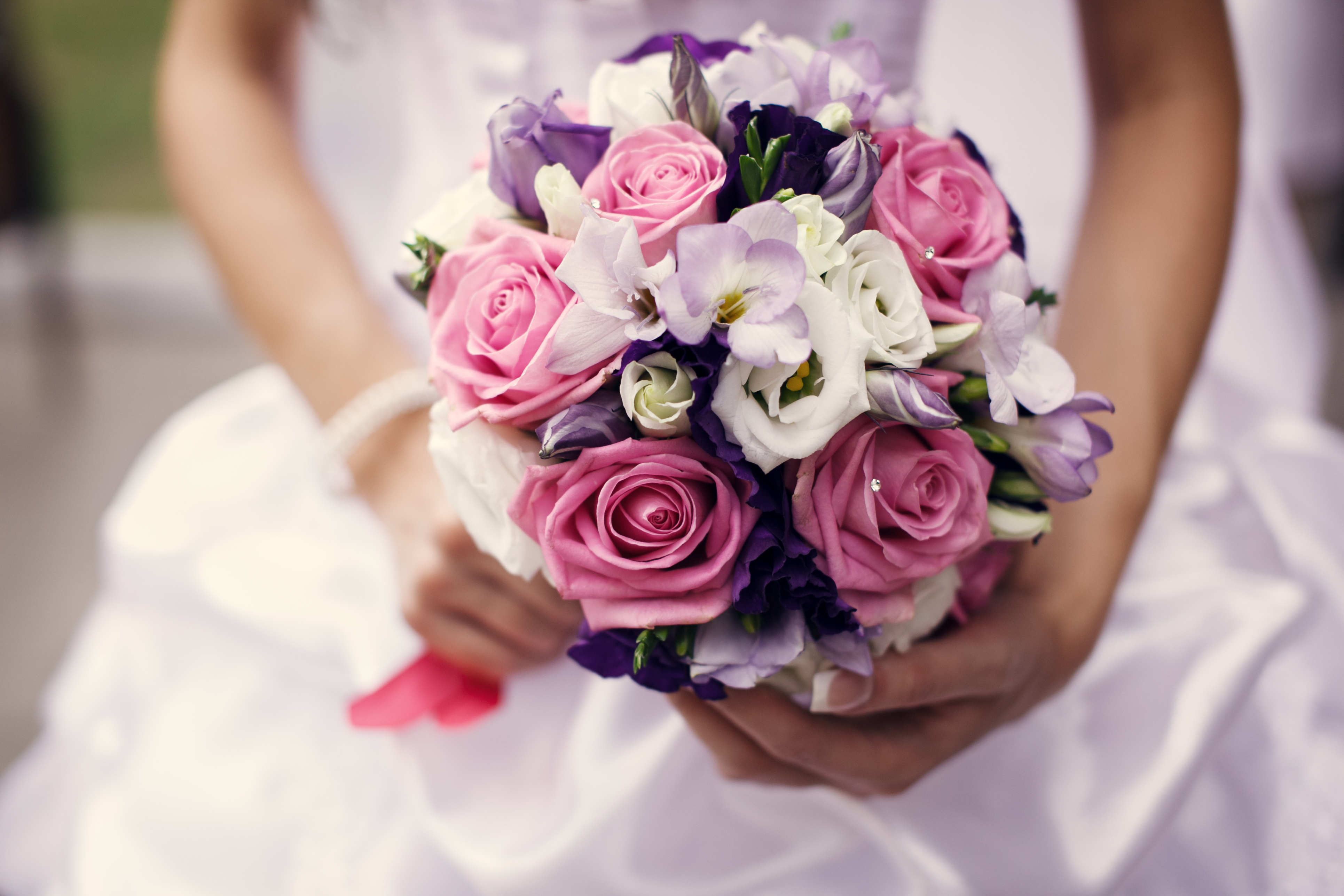 bridal bouquet wedding bouquet Find Out What Your Wedding Bouquet Says About You