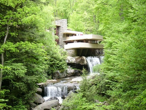 Fallingwater by Frank Lloyd Wright | Inspiration for students of Architecture