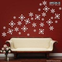 20 Creative Christmas Decorating Ideas with Decals
