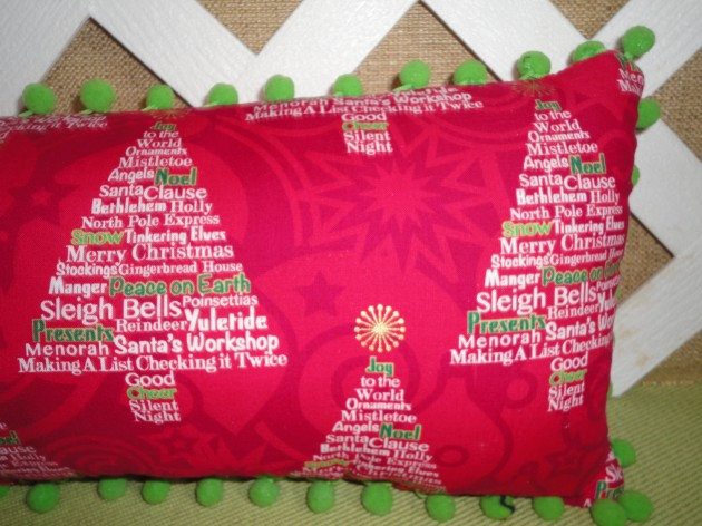 Charming Christmas Decoration Ideas with Pillows - decorative christmas pillows