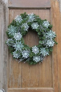 18-Chilly-Handmade-Winter-Wreath-Designs-For-Your-Front ...