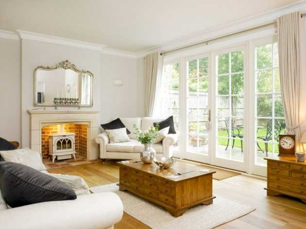 17 Brilliant Living Rooms With French Doors That Will