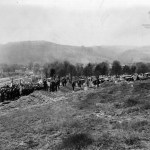 Benwood mine disaster mass burial, side view.